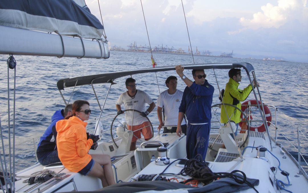 Costeando el Golfo de Valencia con un viento intermitente